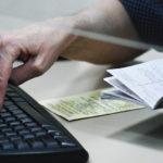 В Минтруде разъяснили, кому увеличат выплаты по больничным